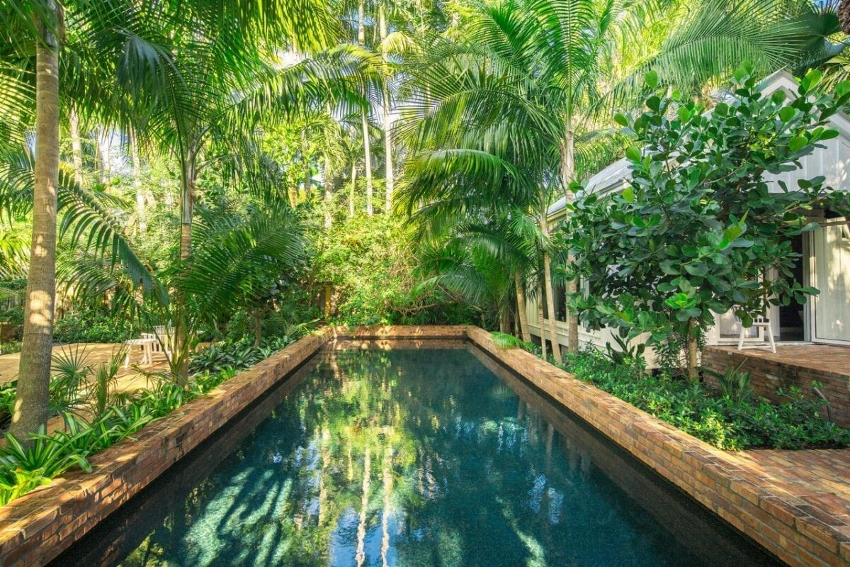 Lush Tropical Look Pool Landscaping